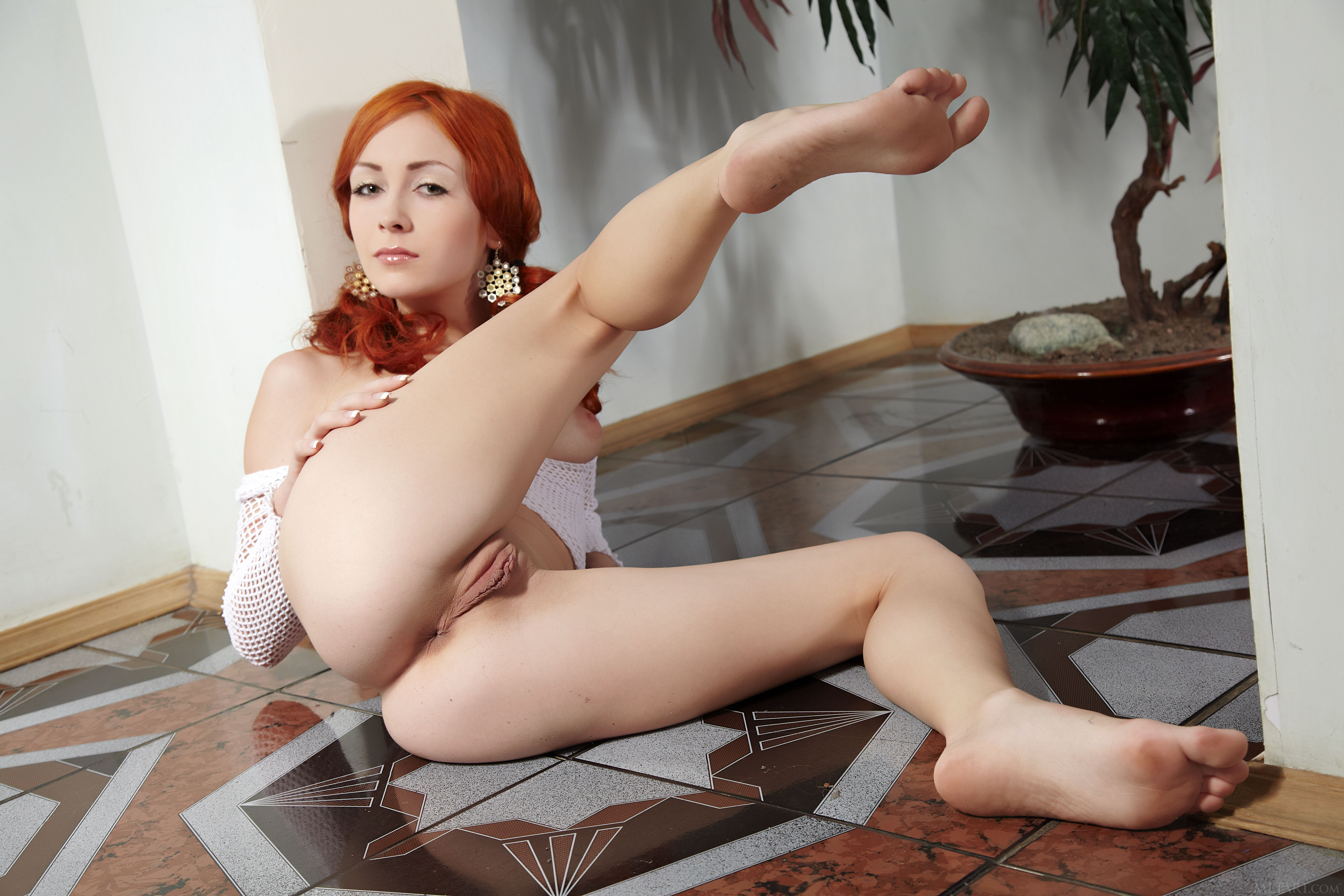 Red haired girl hot pussy porn