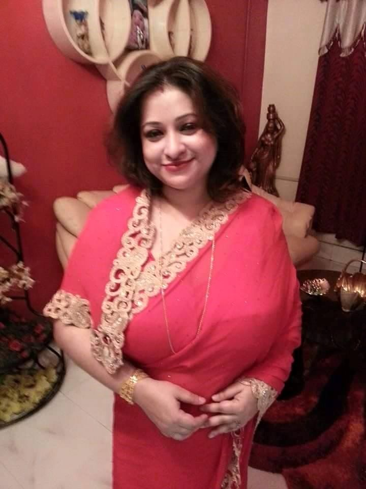 Sexy hot middle ahed aunties photos